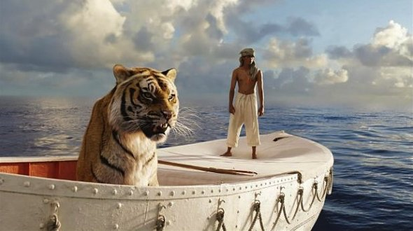 pacific-ocean-with-a-giant-bengal-tiger