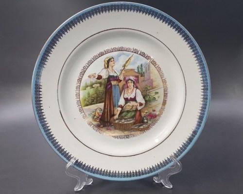 Парные тарелки с маркой и клеймом в тесте М.С. Кузнецова Тверской фабрики