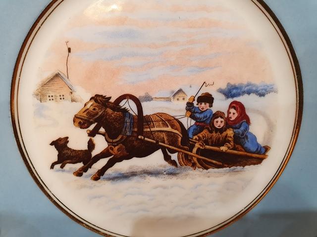 Тарелочка с маркой М.С. Кузнецова Дулевской фабрики до 1917 года