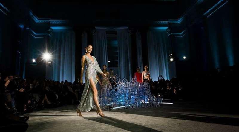 معرض مجموعة جديدة لأزياء النساء في روما