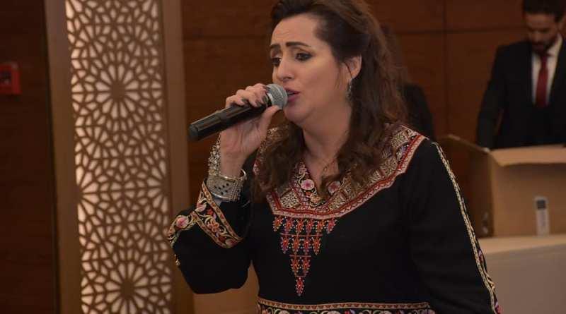 تكريم الفنانة عبير صنصور في مهرجان المرأة العربية للإبداع