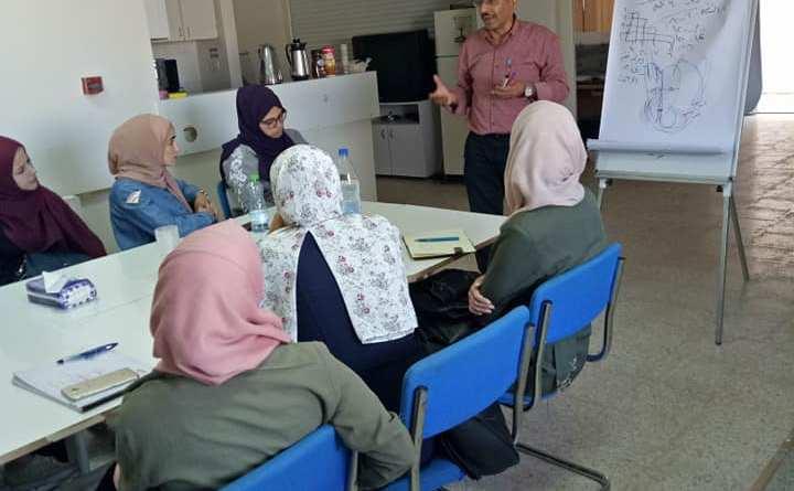 دورة إسعاف أولي لمتطوعات مركز شؤون المرأة