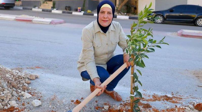 الناشطة المجتمعية نهاية عفانة تحلق بواقع المرأة من المحلية للعالمية