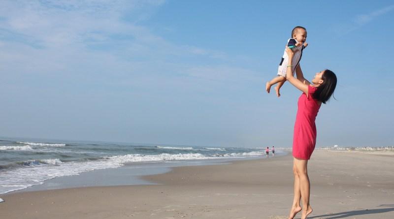 10 مدن تمنح أطول إجازة مدفوعة للأمومة والأبوة
