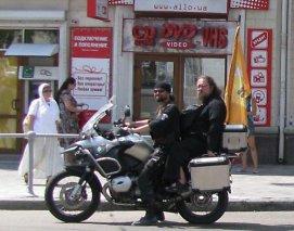 О. Андрей Кураев с байк-миссией в Севастополе. 2009 г.