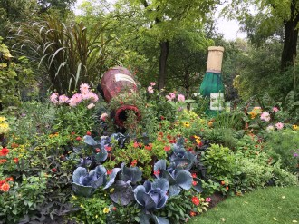 gardens-2-wine-bottles