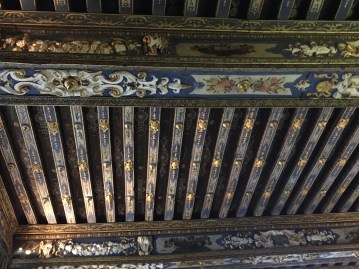 Decorated and gilded ceiling