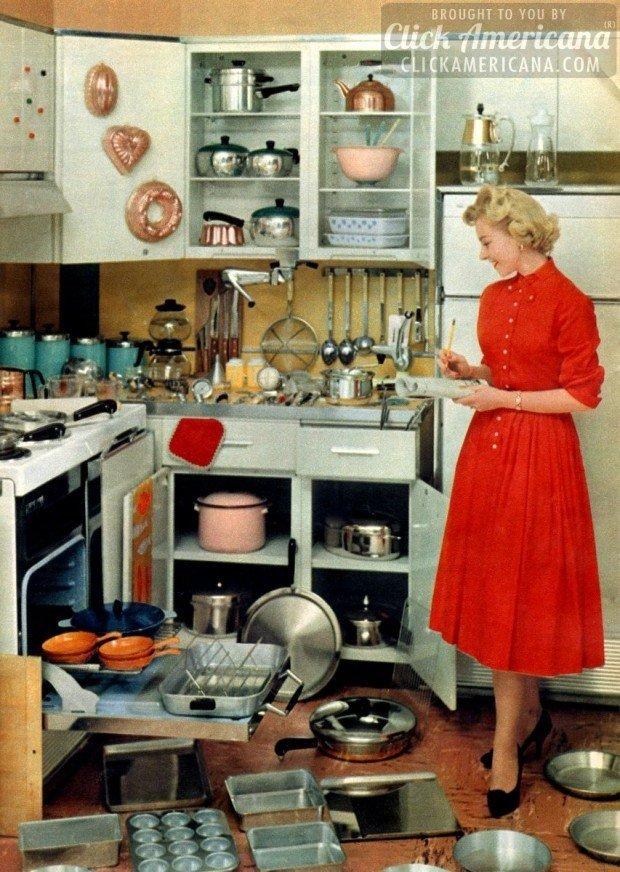 Жена готовится к приходу мужа