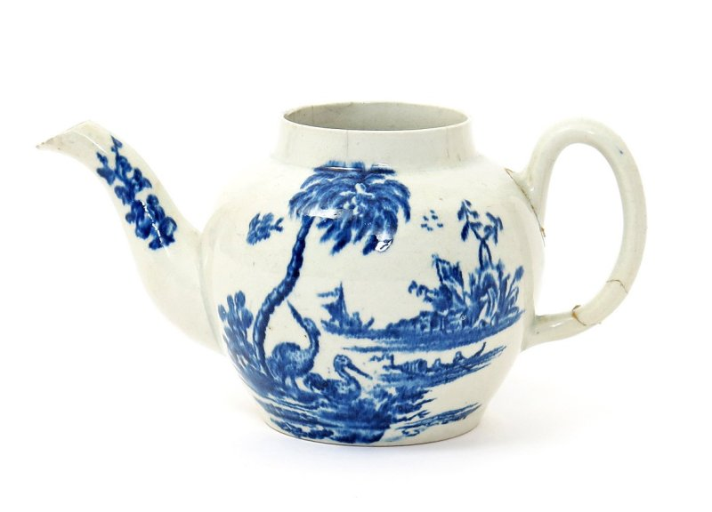The John Bartlam ceramic teapot which sold recently