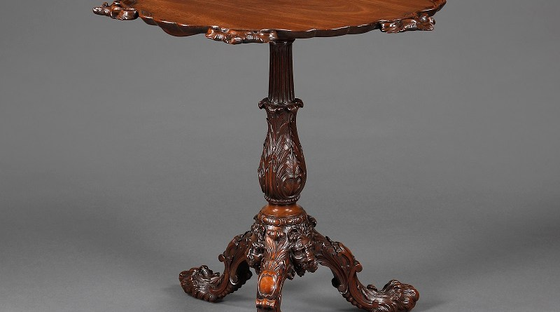 Antique table attributed to Thomas Chippdendale