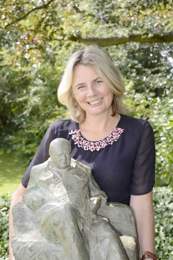 Catherine Southon holds the Winston Churchill maquette