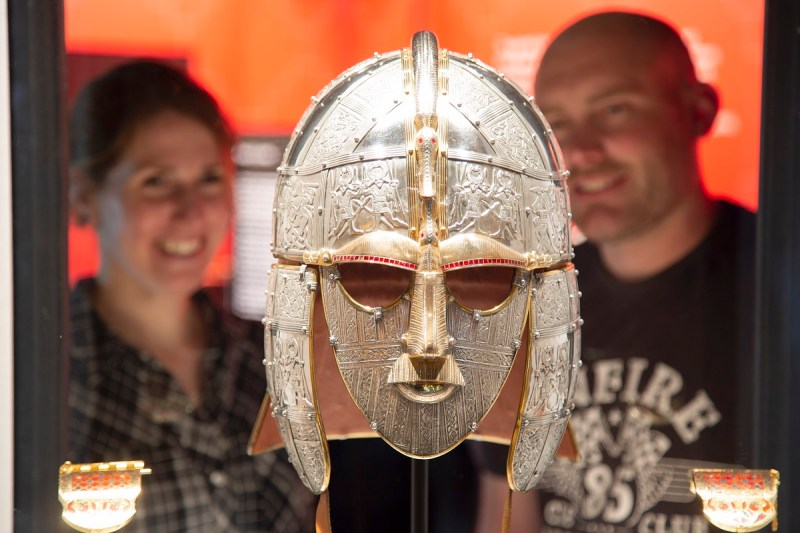 Sutton Hoo replica King's helmet and shoulder clasps ©Phil Morley)