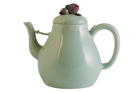 Qianlong celadon-glaze teapot