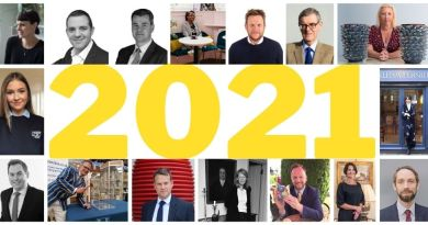 Experts on antiques and art in 2021