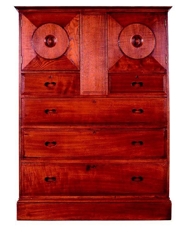 The owl cabinet,1904. Considered bymany to be the bestpiece of furnitureAmbrose Heal designed,it is also known as thefumed chestnut cabinet372