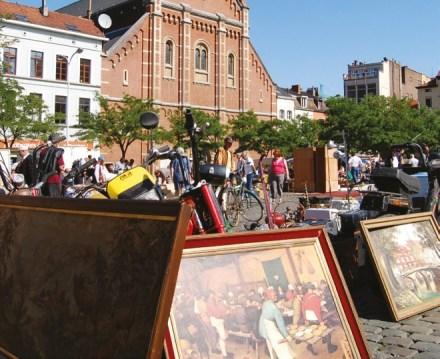 Flea Market Place Du Jeu de Balle in Brussels