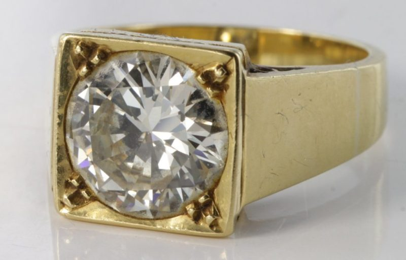 The diamond ring that sold at Suffolk auctioneers Lockdales