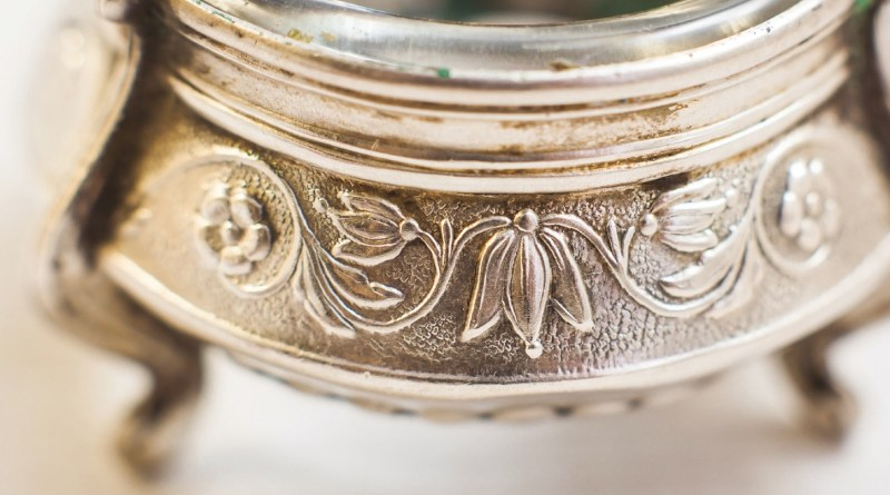Surfaces on antique silver can be worn by cleaning