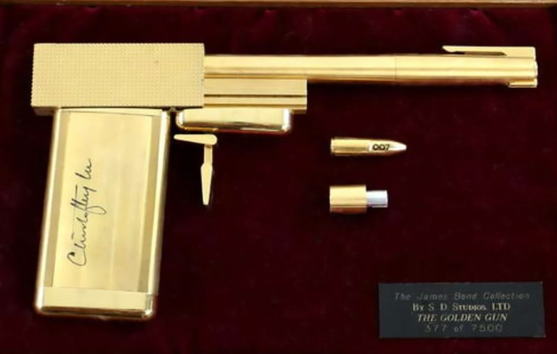 James Bond The man with the Golden Gun replica