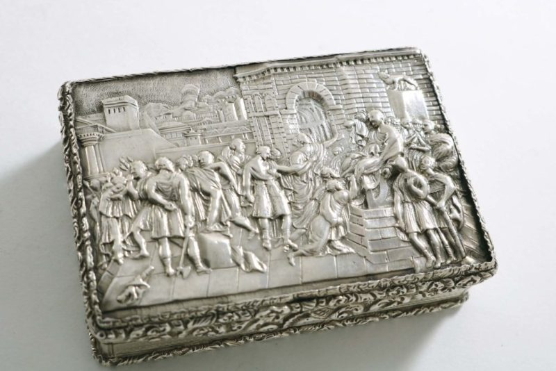 An antique silver snuff box of Arctic interest