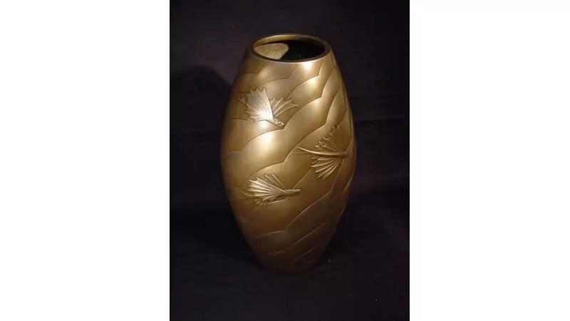 根箭忠緑作/鋳銅飛魚紋花瓶