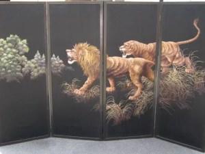 刺繍獅子図 六曲片双