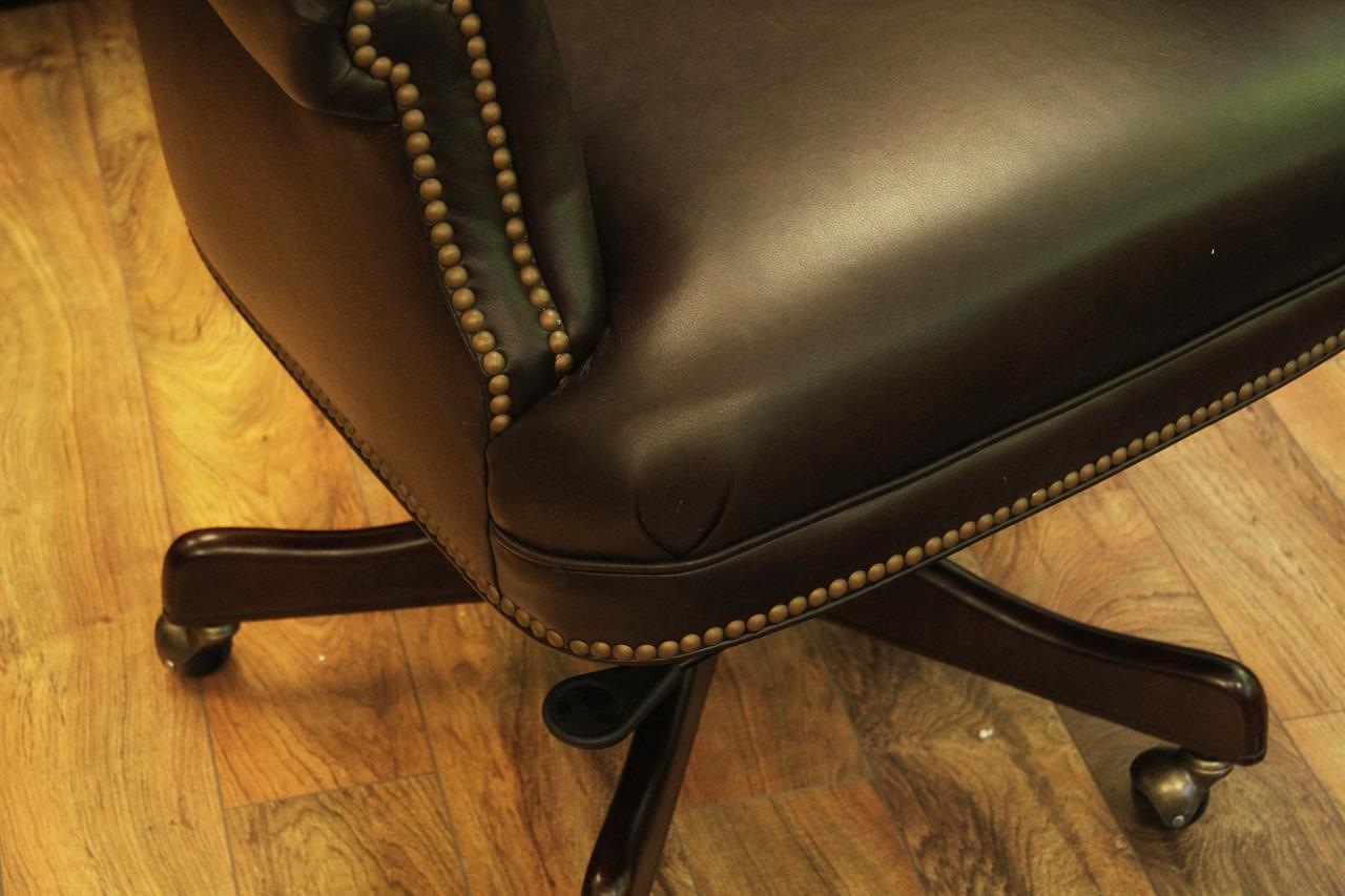 Tufted Leather Office Chair Tufted Leather Executive Or Conference Room Chairs