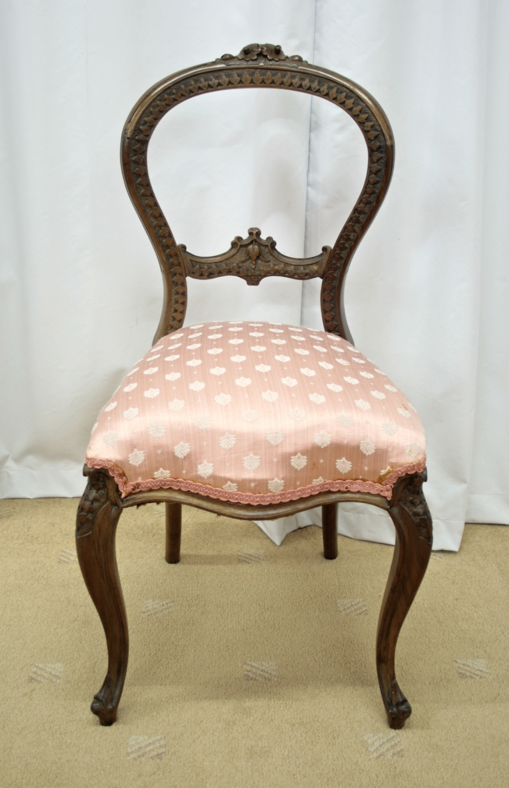 Balloon Chair For Sale Six Victorian Walnut Balloon Back Dining Chairs For Sale