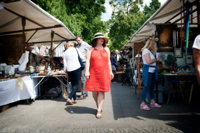 Tips on Buying Vintage & Antiques in France: Toma Clark Haines shopping at a Provence flea market