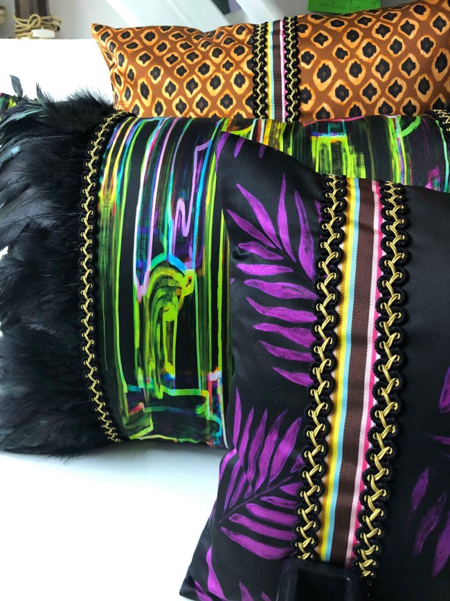 Diva Line pillows by Mariska Meijers
