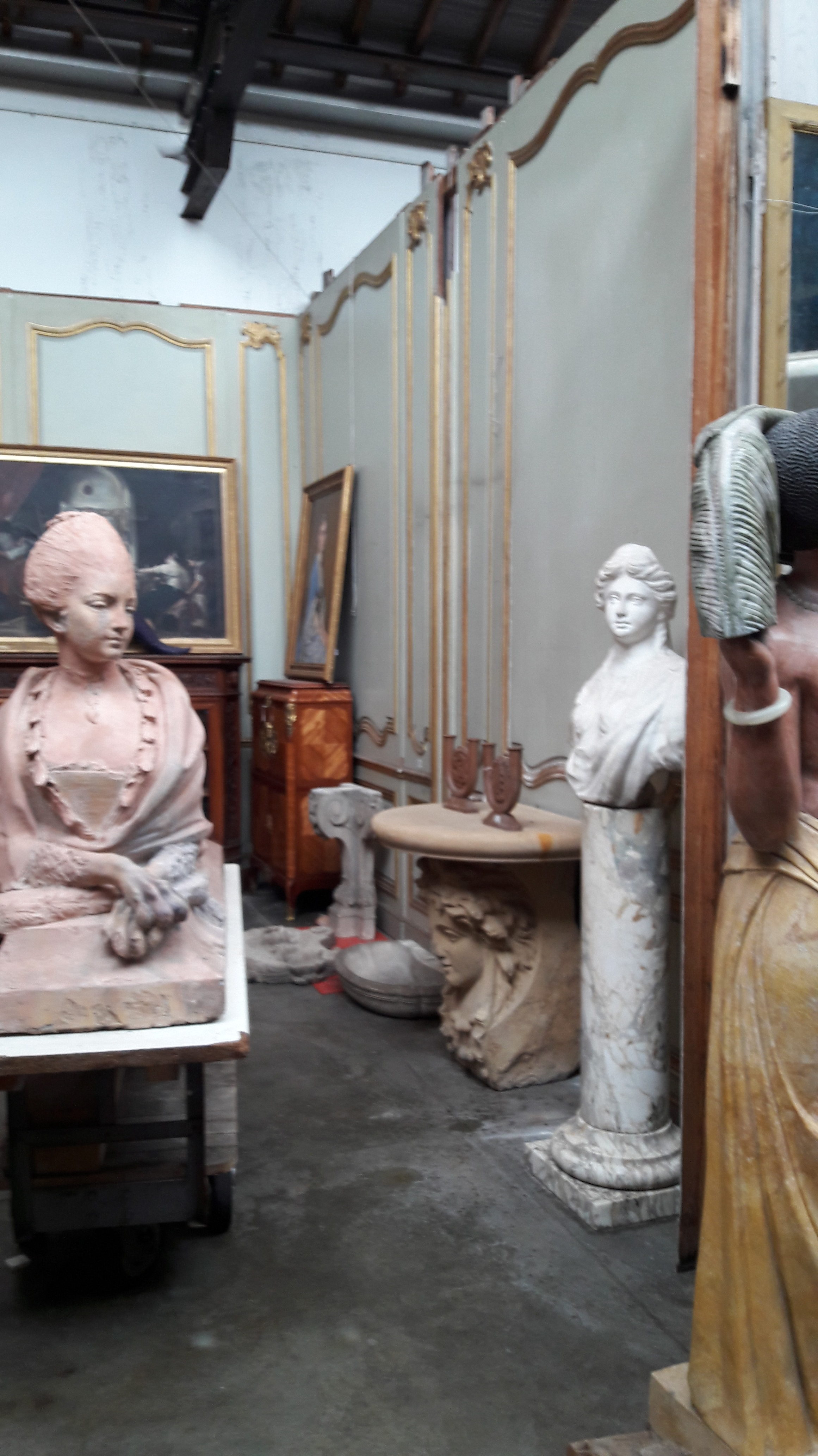 Antiquitiés Rodriguez Décoration | Paris Flea Market | Antiques Diva Champage Brunch