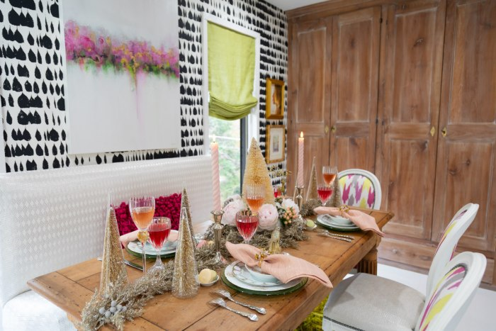 Lolo French Antiques | tablescape Ladies Brunch | The Antiques Diva & Co