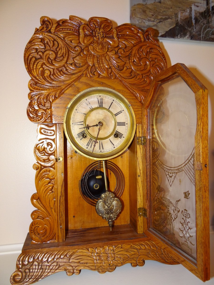 ANTIQUE WATERBURY MANTLE OAK GINGERBREAD CLOCK