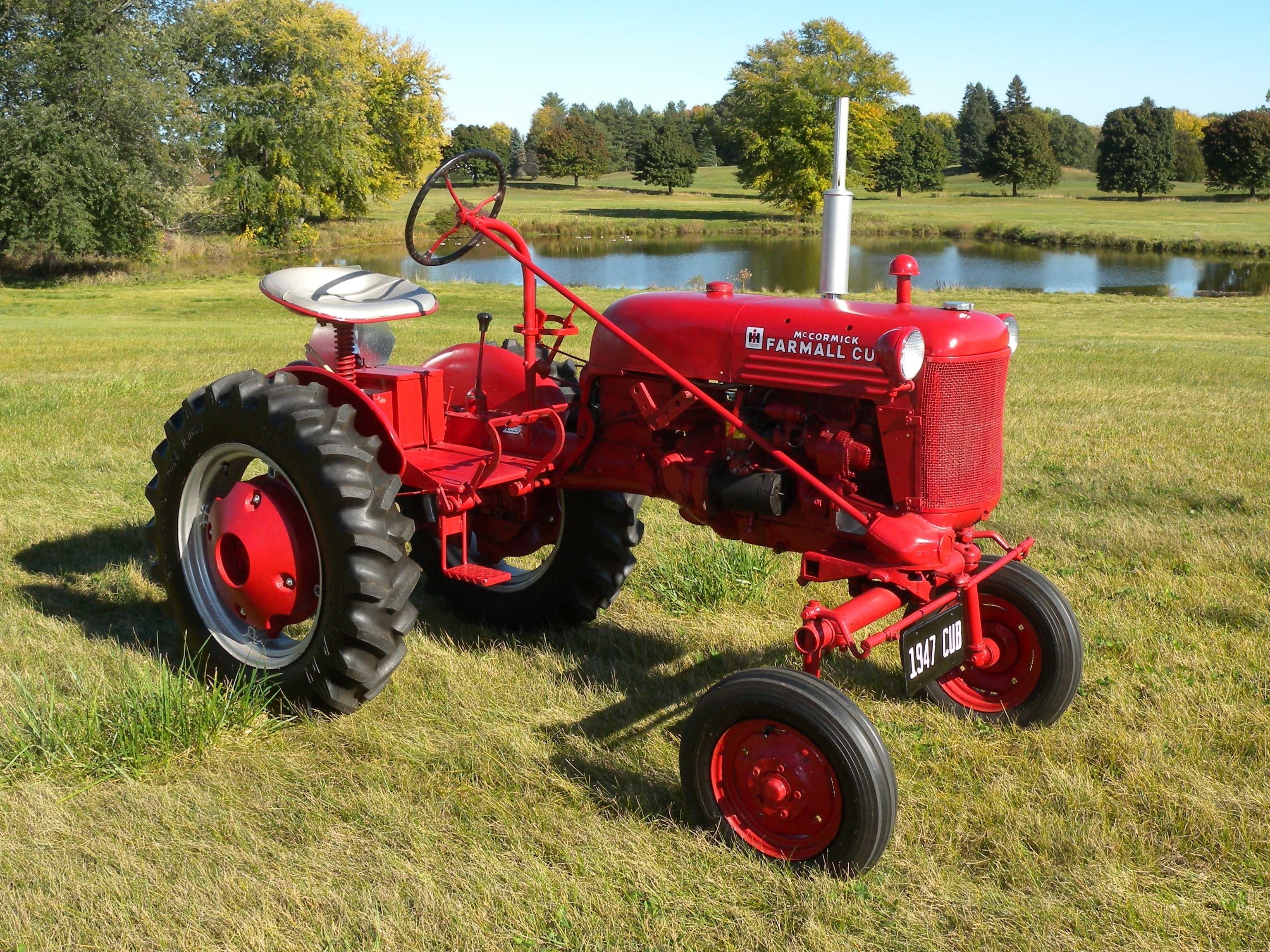 Tractor Restoration Parts : Farmall cub antique tractor