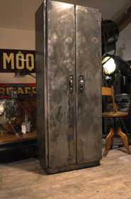 meuble industriel ancien