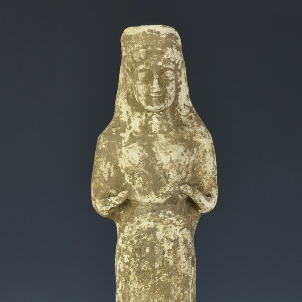Large Boeotian Terracotta Standing Woman