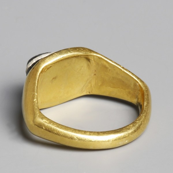 Roman Gold Ring With Banded Intaglio