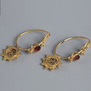 Byzantine Gold and Garnet Earrings Set