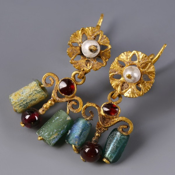 Roman Gold Earrings with Garnets and Pearls