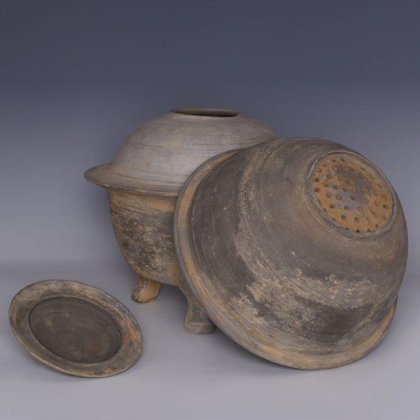Han Dynasty Elaborate Incense Burner