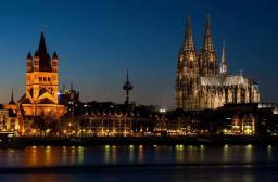 Nick Reinis (@nickreinis) of the UK shot this Cologne nightscape just last week: pic.twitter.com/tJS6U6IRMZ