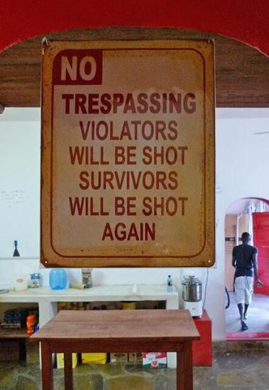 Helen Suk (@nwmypassport) of Canada posted this sign from a restaurant in Kenya. They're joking, right? pic.twitter.com/RHN0x18ewh