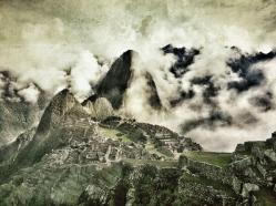 Quyen Nguyen (@LiveItinerantly) of the USA snapped this surreal edited photo of Machu Picchu: pic.twitter.com/PmN7bofkfN