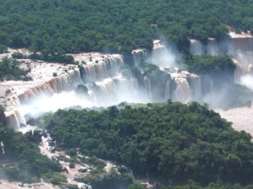 Mary McCarthy (@marymccarthy123) of Ireland got this overhead shot of Iguazu Falls--pretty neat! https://twitter.com/marymccarthy123/status/531913239299629056/photo/1