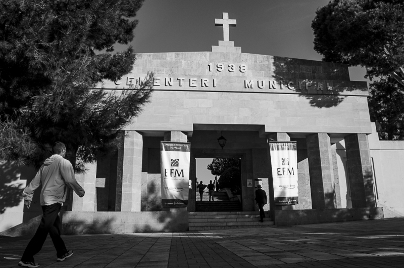 A day in the cemetary, Palma de Mallorca, Spain