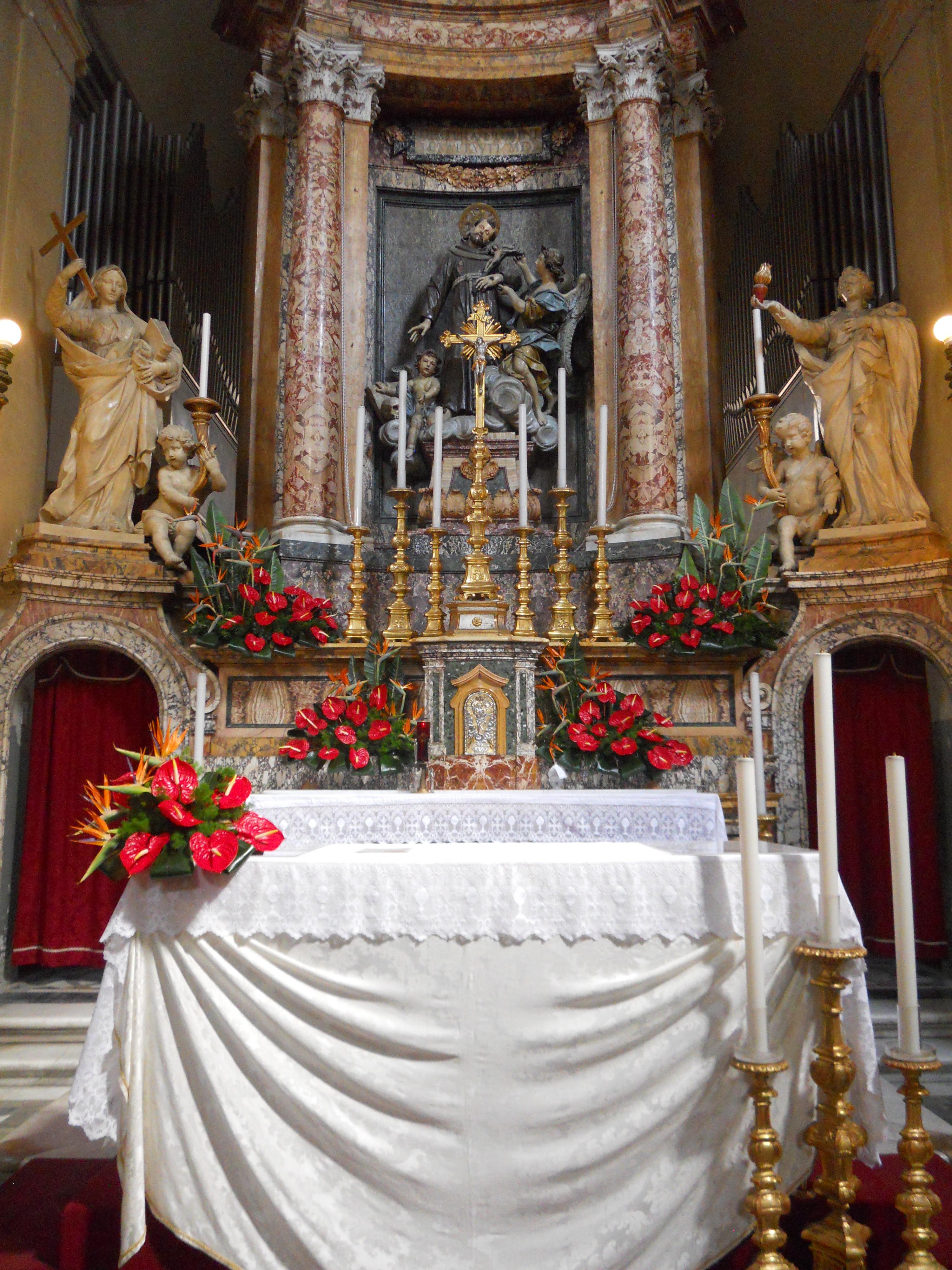 Addobbo chiesa pentecoste  CREAZIONI FLORIALI addobbi