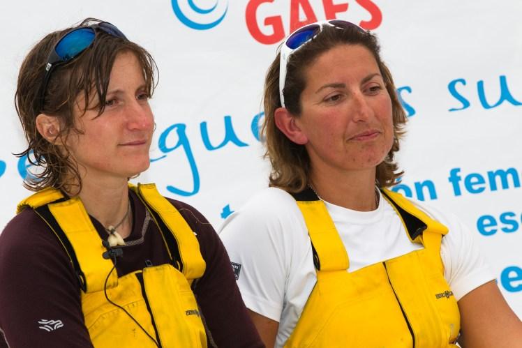 Anna Corbella (izquierda) y Dee Caffari