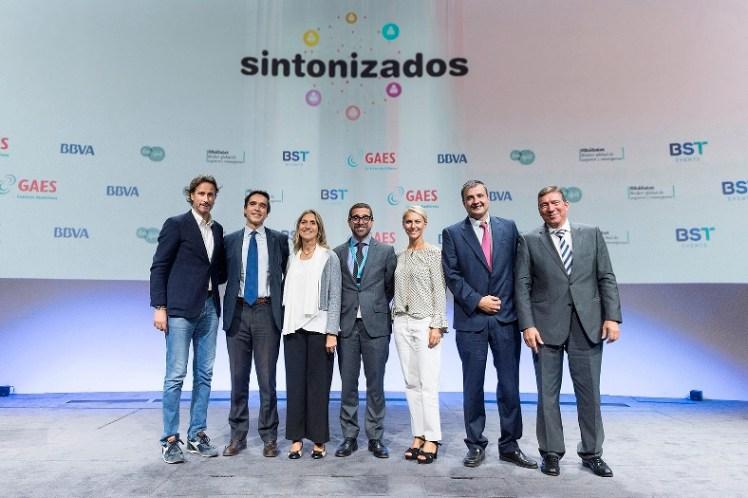De izquierda a derecha: Víctor Küppers, Raúl Respaldiza, María José Gassó, Antonio Gassó, Mónica Ribé, Pere Sitjà y Carlos Escobar.