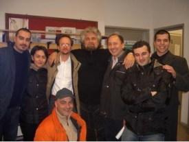 """Assieme a Beppe Grillo prima dello spettacolo del tour """"Incantesimi"""" a Siena. Beppe ha ricevuto il meetup di Siena"""