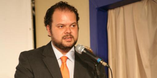 Andre Perfeito participa do programa Ponto a Ponto / Reprodução: D Comércio